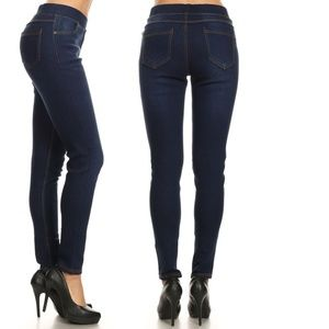 NWT Jvini Navy High-Waisted, Pullon Skinny Jegging
